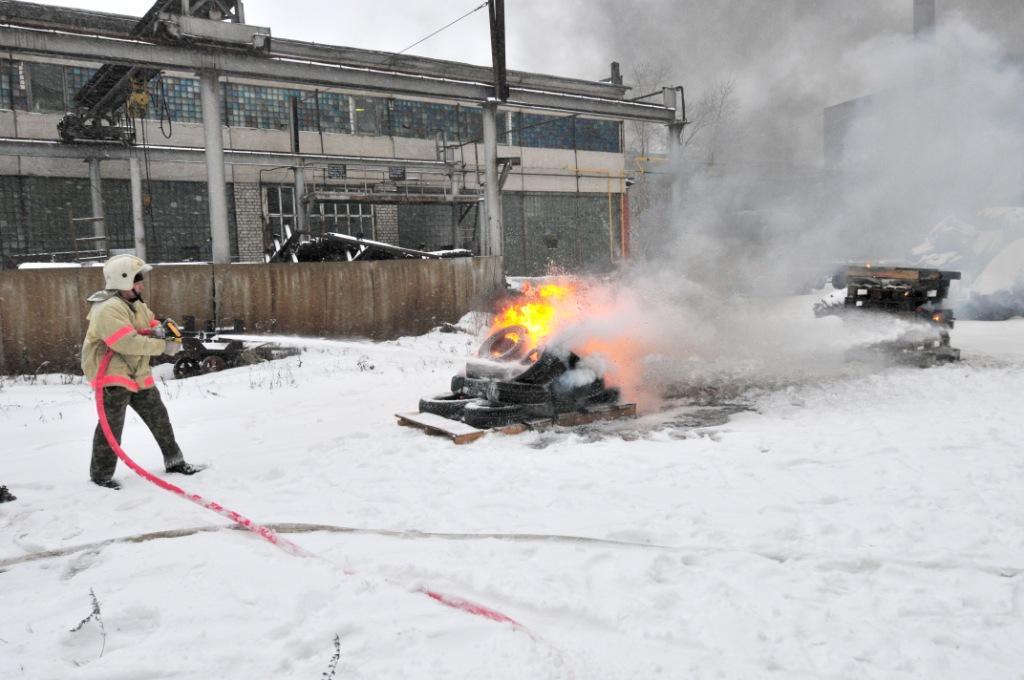 """Испытание пожарной установки на """"Тяжпрессмаше"""""""
