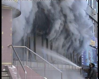 Пожар в торговом центре на улице Полевая