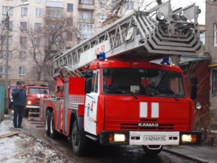 Пожар в многоквартирном доме на Народном бульваре