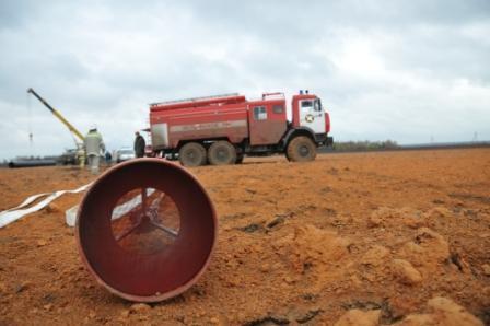 Порыв на магистральном газопроводе с возгоранием в районе населенного пункта Ласково Старожиловского района.