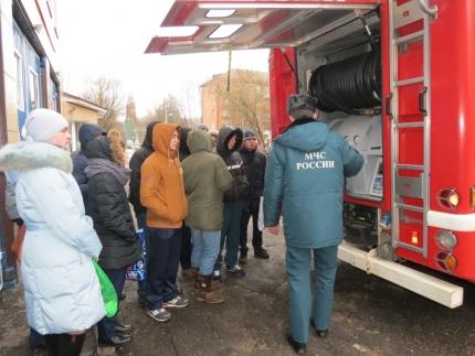 Студенты СмолАПО выбирают МЧС России