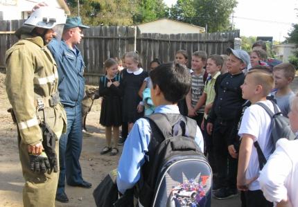 (12.09.19) Урок безопасности в 28 пожарно-спасательной части города Духовщины
