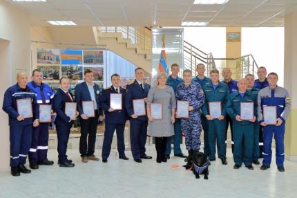 (30.11.18) Участники ликвидации последствий хлопка бытового газа в селе Пригорское получили награды