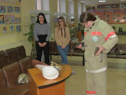 (13.02.19) Мастер-класс от смоленских огнеборцев