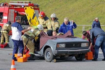 (10.10.2018) В Смоленской области на федеральной автодороге «Беларусь» состоялись учения по ликвидации дорожно-транспортного происшествия