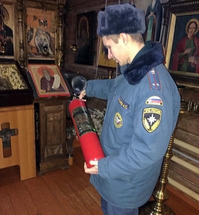 В преддверии Пасхи сотрудники госпожнадзора проводят профилактические мероприятия (03.04.2018)