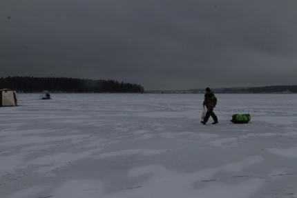 (15.02.19) Уважаемые любители подледной рыбалки, прежде чем отправиться на рыбалку, ознакомьтесь с толщиной льда нужного вам водоёма