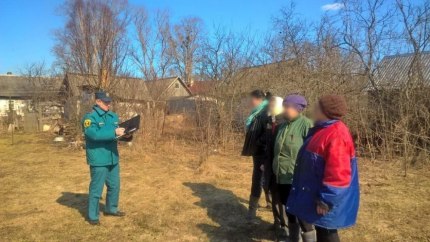 (09.04.19) Разъяснительная работа с населением по запрету пала сухой травяной растительности