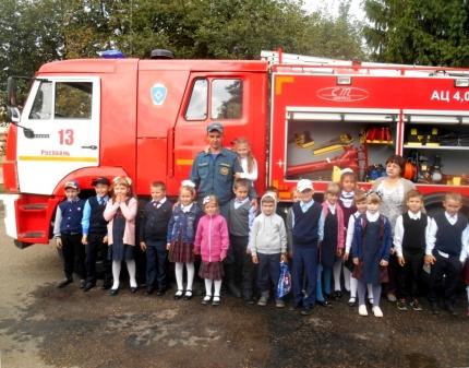 Уроки безопасности в 13 пожарно-спасательной части города Рославля