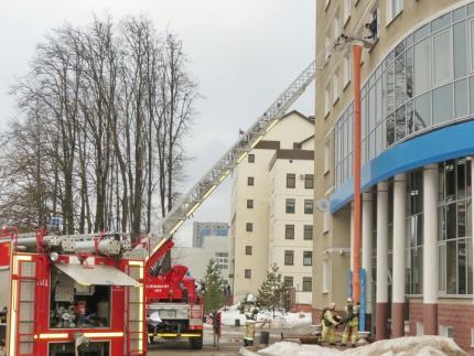 (20.02.19) Подразделения пожарной охраны города Смоленска ликвидировали условный пожар в здании УФНС России по Смоленской области