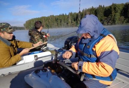 (27.09.2018) Государственные инспекторы ГИМС продолжают патрулировать реки и озера Смоленщины