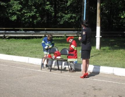 (18.08.2018) Сотрудники МЧС России напомнили детям о безопасности