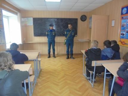(18.10.18) О гражданской обороне смоленским школьникам