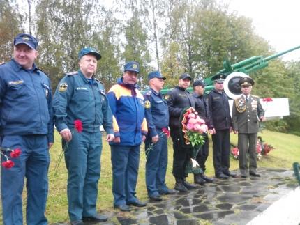 Ко Дню освобождения Смоленщины от немецко-фашистских захватчиков: возложение цветов к памятникам ВОВ