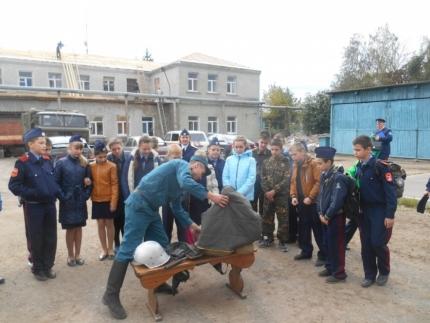 Кадеты Рославльского казачества посетили 13 пожарно-спасательную часть