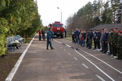 Юнармейцам о профессии пожарных и спасателей (08.04.2017)