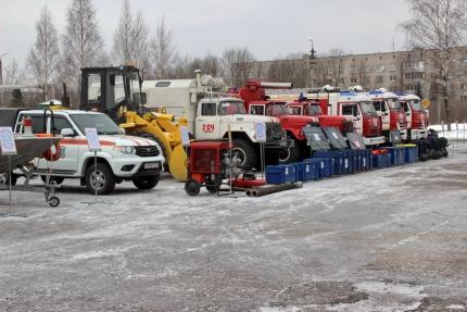 (15.03.19) В Смоленске прошел смотр готовности сил и средств к безаварийному пропуску паводковых вод