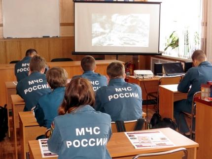(05.05.2018) Юные пожарные в гостях у Смоленского ВДПО