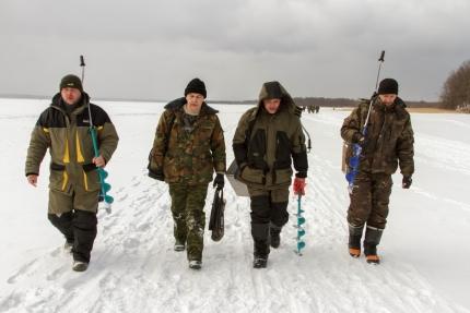 Безопасность соревнований по подледному лову рыбы обеспечат сотрудники МЧС России (26.01.2016)