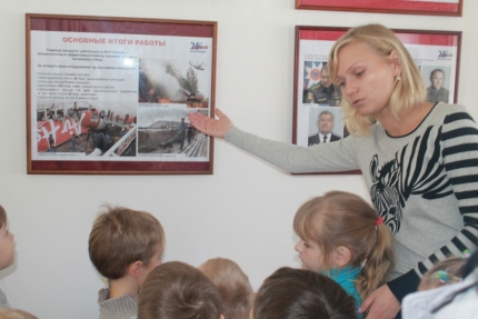 Фотовыставки, посвященные 25-летию МЧС России, продолжают функционировать во всех районах Смоленской области