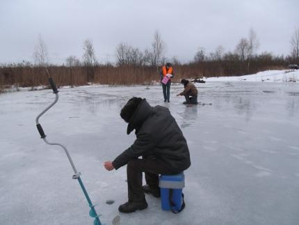 Инспектируют излюбленные места рыбаков (29.01.2017)