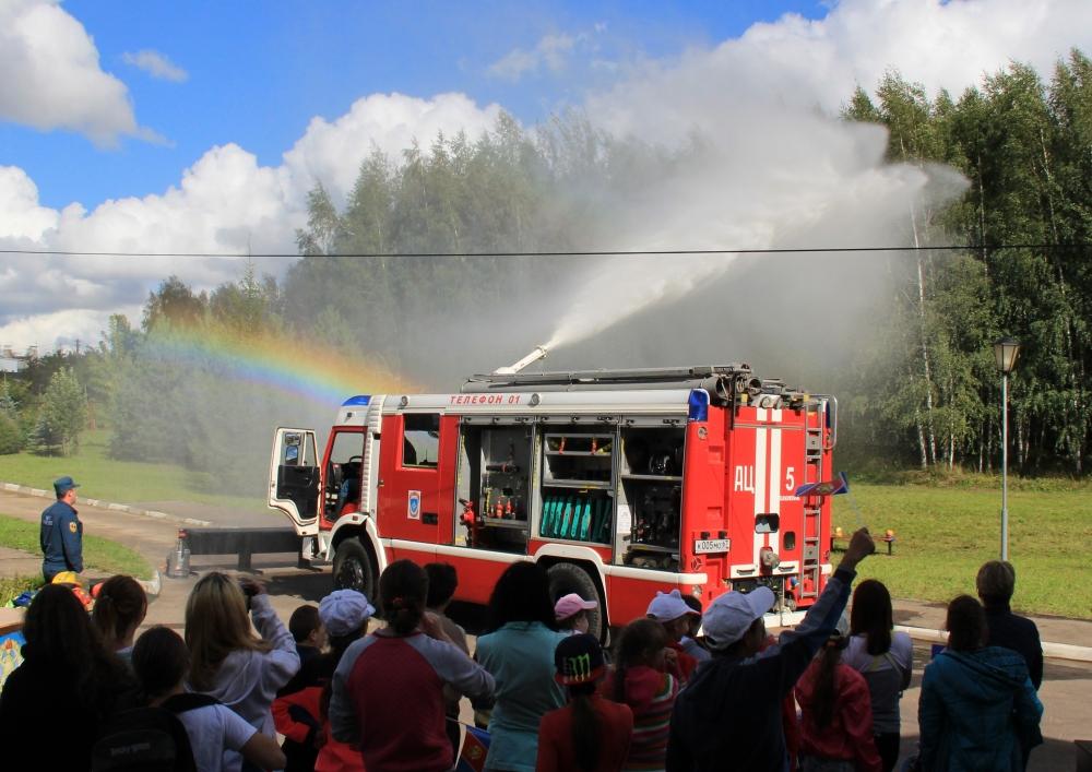 В Смоленске в рамках Второго Российско-Белорусского слета казачьей молодежи прошел праздник пожарной безопасности