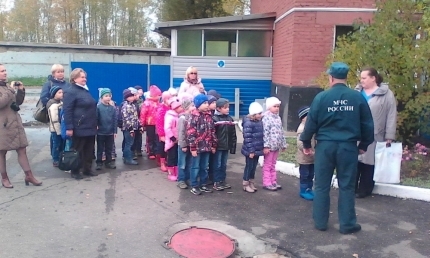 Детский садик «Дюймовочка» в гостях у пожарных