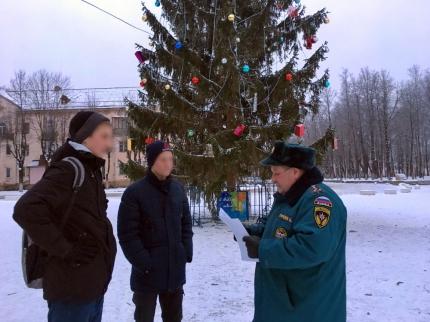(23.12.18) В канун новогодних праздников еще раз напомнили о пожарной безопасности