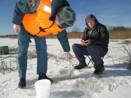 Инспекторы ГИМС напоминают о соблюдении правил безопасности при выходе на лед (12.02.2017)