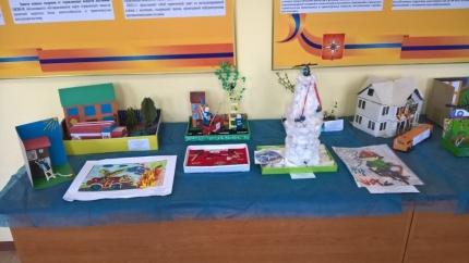 Экспозиция Центра противопожарной пропаганды в городе Смоленске пополнилась новыми детскими работами, представленными на конкурс «Мы первыми приходим на помощь»