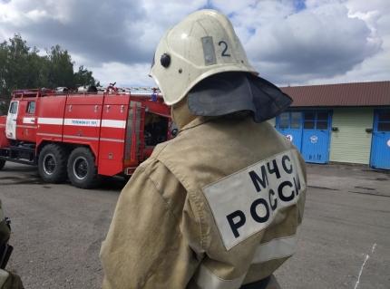 (26.06.2018) Огнеборцы Смоленска сдают нормативы по пожарно-строевой подготовке