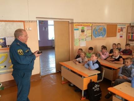 (20.09.2018) Всероссийские открытые уроки «Основы безопасности жизнедеятельности» в школах города Починка