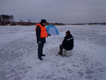 Инспекторы ГИМС напоминают о соблюдении правил безопасности при выходе на лед