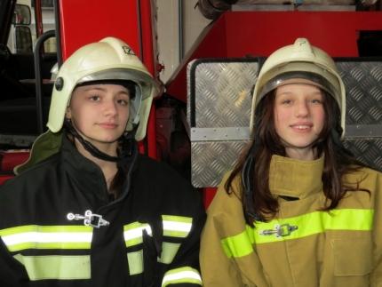 Юные пожарные в гостях у профессионалов