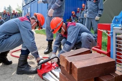 Смоленская АЭС информирует: Участники нештатной спасательной группы Смоленской АЭС успешно прошли периодическую аттестацию (03.04.2018)