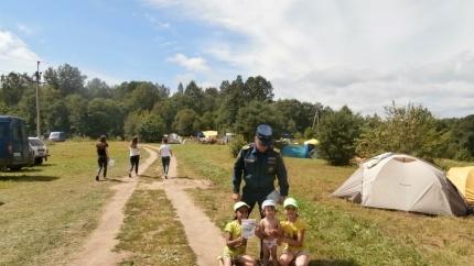 Всероссийский слёт юных краеведов-туристов проходит под пристальным наблюдением смоленских пожарных и спасателей