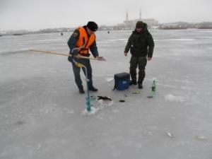 Инспекторы ГИМС предупреждают рыбаков об опасности выхода на лёд (18.02.2017)
