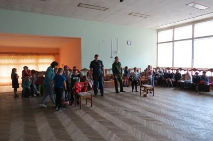 (12.07.19) Учебные противопожарные занятия для детей в санатории «Красный бор»
