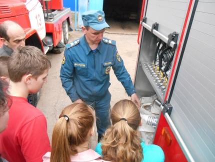Знакомство с профессией пожарного (15.04.2017)