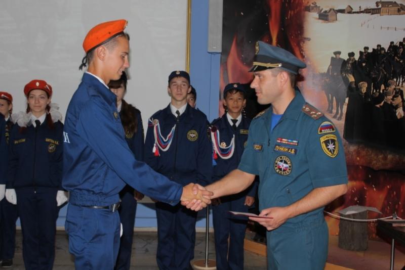 Более 50 ребят успешно завершили учебу в кадетском классе спасателей!