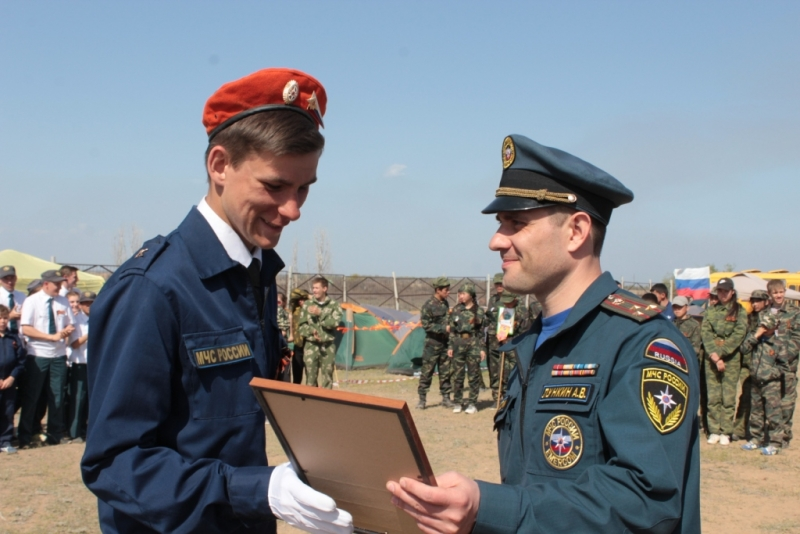 Итоги слета-соревнований «Школа безопасности-2015» и полевого лагеря «Юный спасатель-2015»