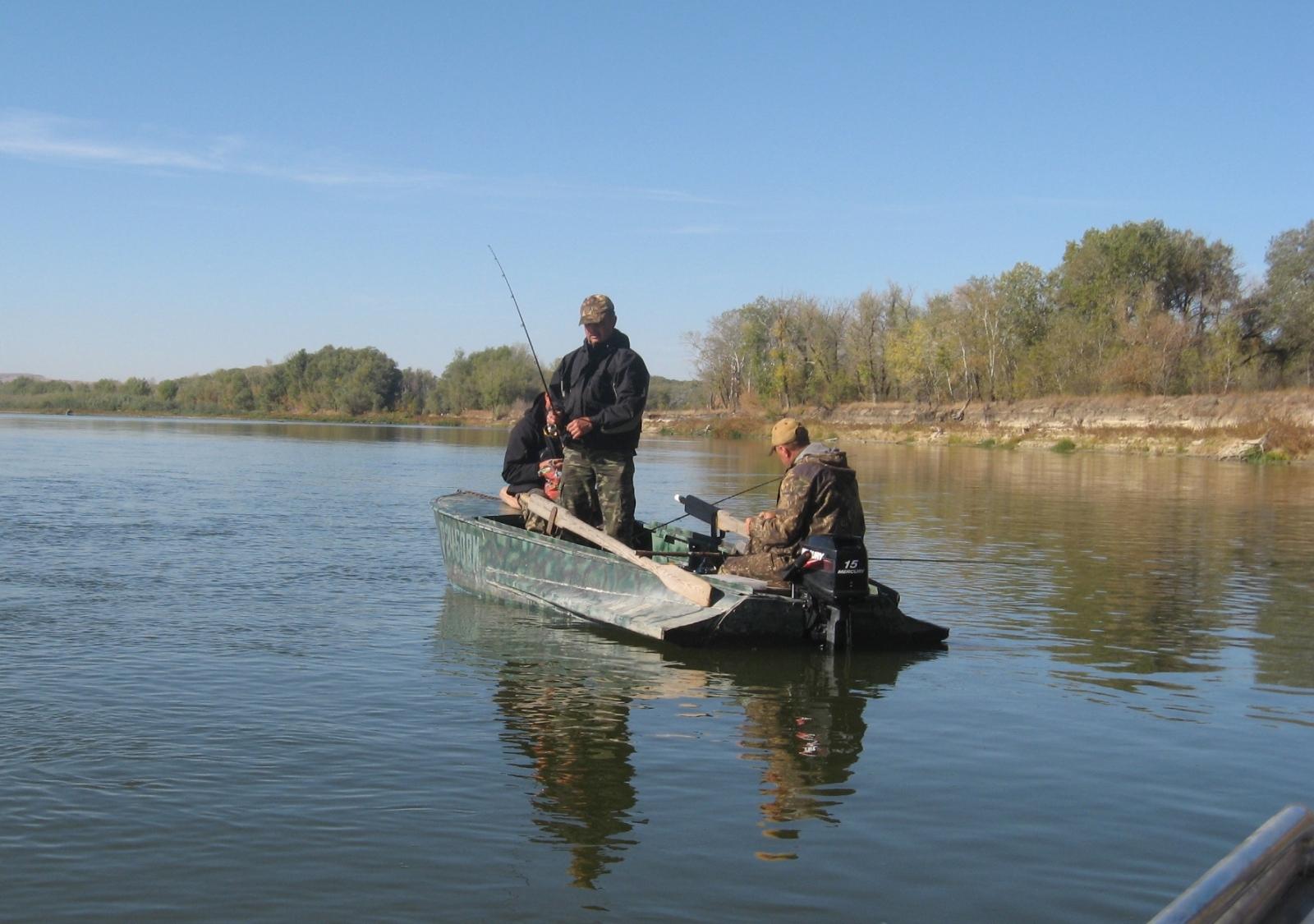 ГИМС напоминает: с наступлением осеннего времени года не стоит забывать о правилах безопасного поведения на воде