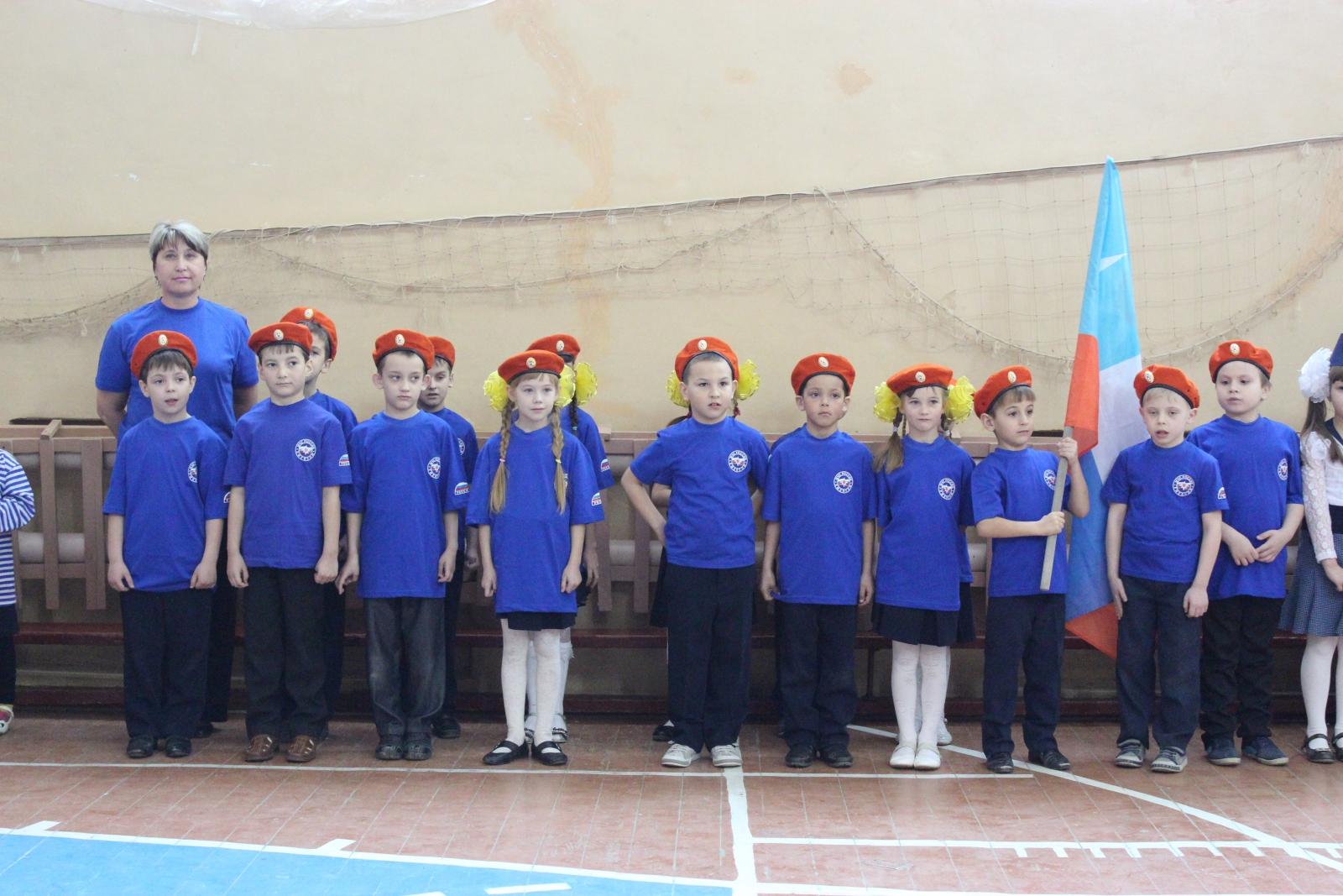 Юный отряд спасателей продемонстрировал отличные навыки строевой выучки