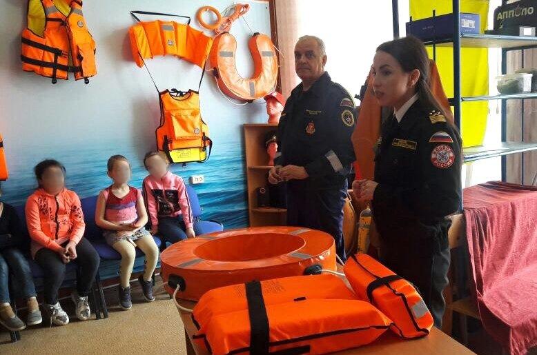 Юные жители Волгоградской области соприкоснулись с историей дела спасателей на воде