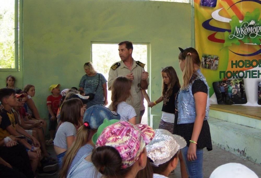 Госинспекторы ГИМС волгоградского региона продолжают профилактическую работу в летних детских лагерях