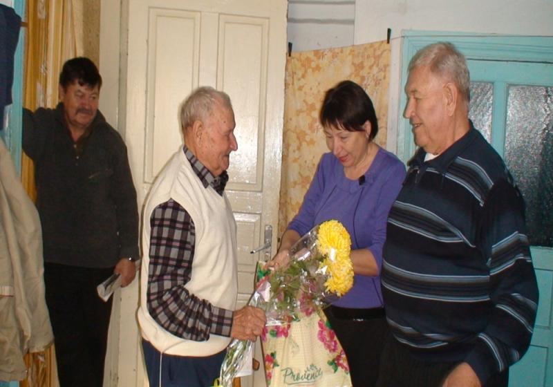 Ветеран пожарной охраны Михаил Тищенко отметил 90-летний юбилей