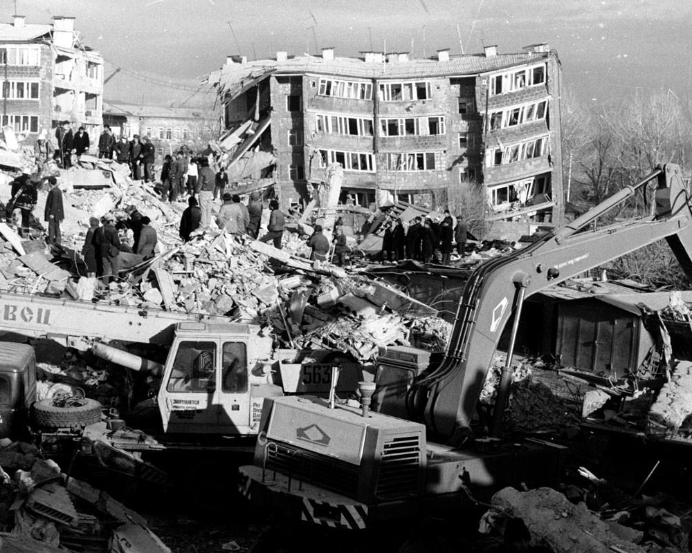 Цикл статей к 85-летию Гражданской обороны России (статья № 28): Землетрясение в Армении, 7 декабря 1988 года