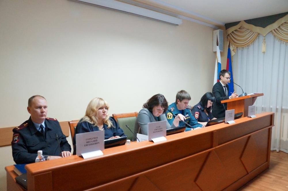 В Краснодаре обсудили вопросы обеспечения безопасности мест празднования новогодних праздников
