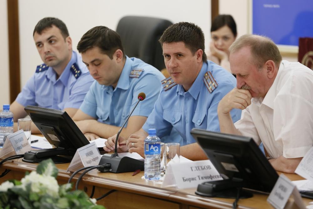 В Администрации Краснодарского края обсудили вопрос усиления мер безопасности в детских оздоровительных учреждениях