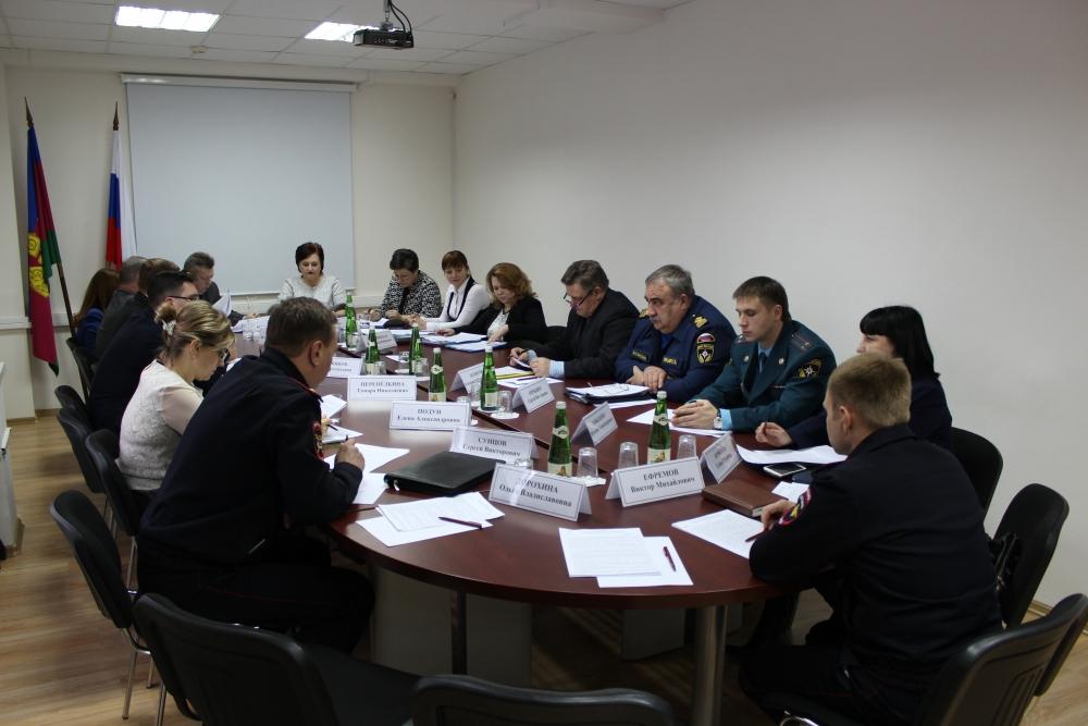 Сотрудники управления надзорной деятельности и профилактической работы приняли участие в работе межведомственной комиссии